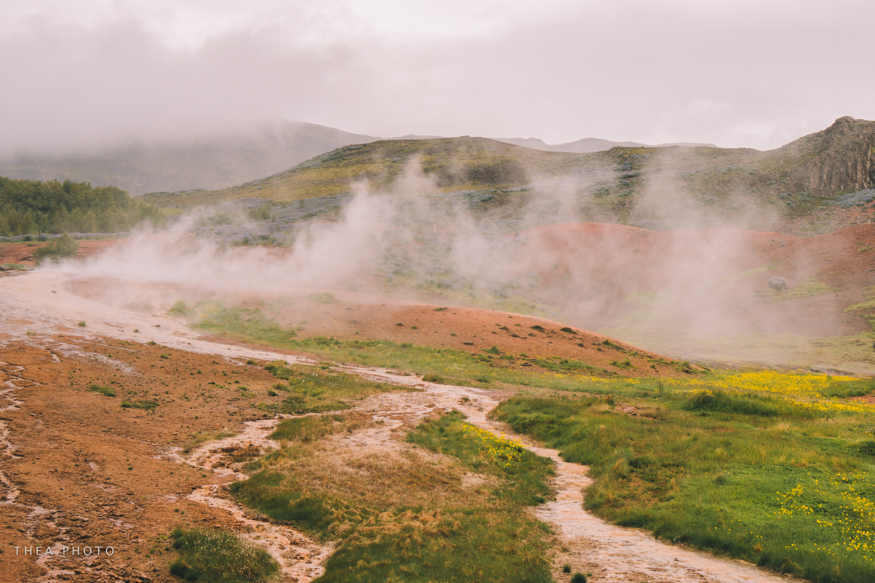 Colourful surroundings at Geysir